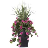 Arrangement extérieur 40'' de dracaena et géraniums roses