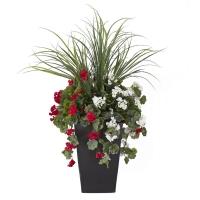 Arrangement extérieur 40'' de dracaena et géraniums rouges &