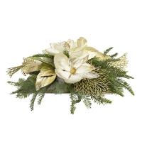 Centre de table avec magnolias et sapinage 7 x 22''