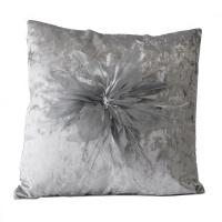 Coussin carré avec fleur grise 18x18''