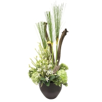 Délicat arrangement, vase foncé