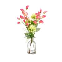 Pot de fleurs roses et snowball dans vase de vitre 15''