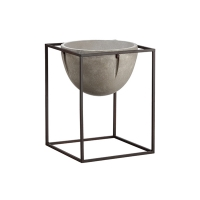 16,75'' Cement planter with metal stand