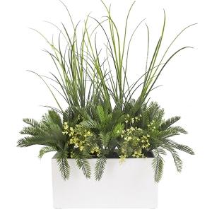 Pot rectangulaire blanc extérieur avec verdure