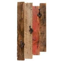 Trio de crochets sur bois de grange