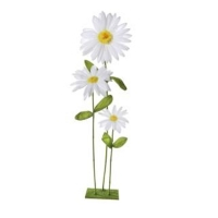 White triple daisy on stand
