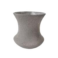 Vase en céramique grise aux lignes concaves, 5''
